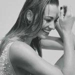 Yvonne-Strahovski-Hunter-Magazine-02