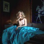 Alison-Brie-in-LadyGunn-Magazine-02