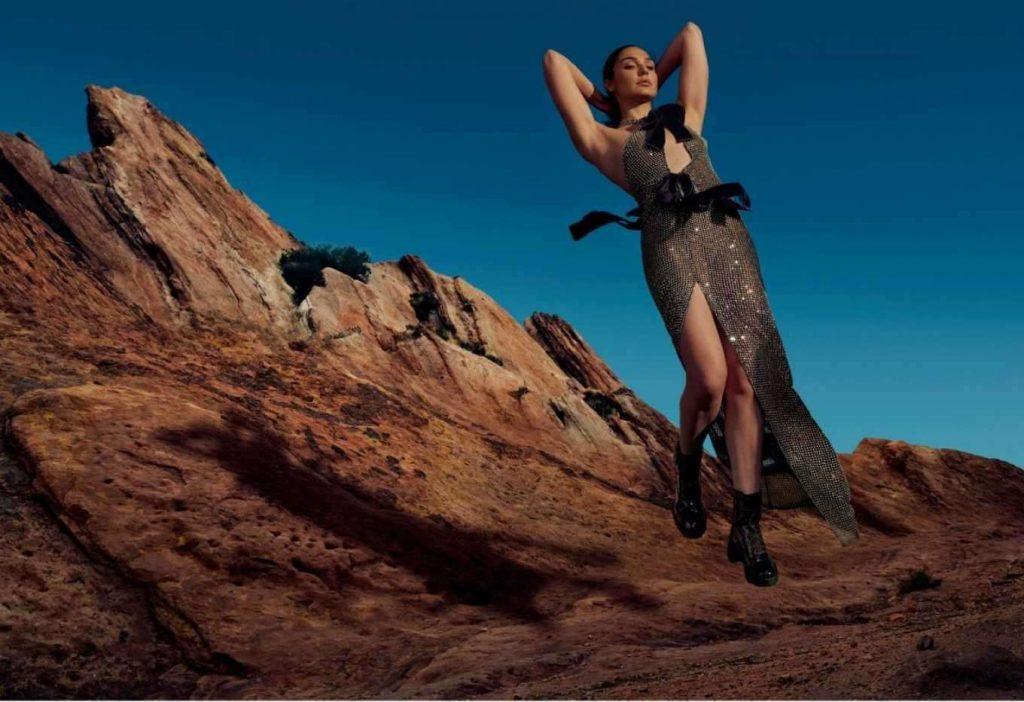 Gal-Gadot-in-Vogue-Magazine-02
