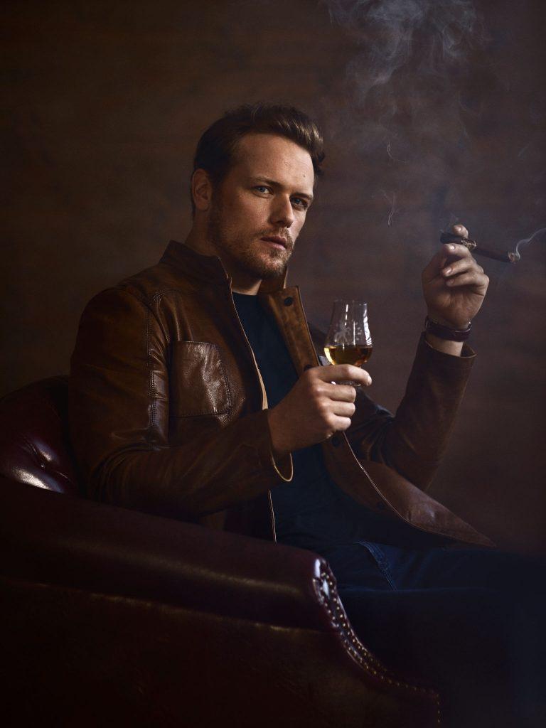 Sam-Heughan-Cigar-Spirits-05