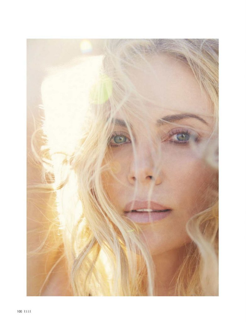 Charlize-Theron-–-Elle-Magazine-julio-05