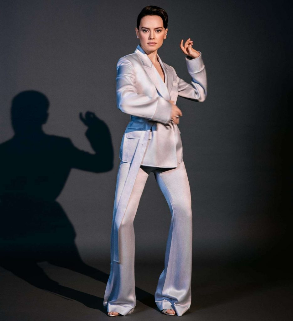 Daisy-Ridley-in-The-Guardian-Weekend-Magazine04