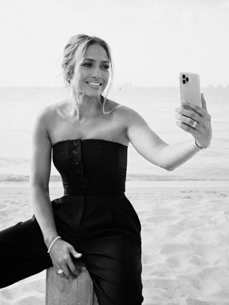 Jennifer-Lopez-in-InStyle-Magazine-05