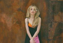 Sabrina-Carpenter-in-Flaunt-13
