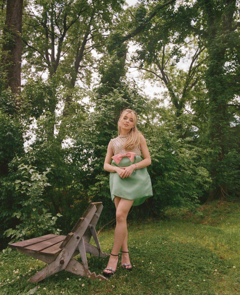 Sabrina-Carpenter-in-Flaunt-14